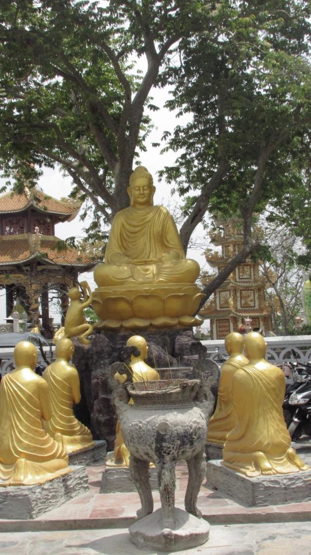 Tượng Đức Phật cùng 5 vị đệ tử đầu tiên